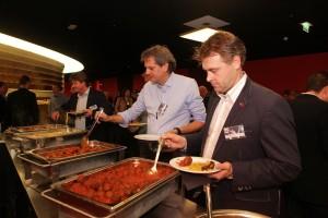 Genieten van een Spaans Ibiza buffet.