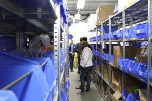 Rondleiding in het magazijn van Isca Nederland.