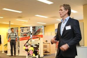 Ron van Rijssel van Si'bon heet iedereen welkom.