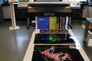 Een bestaande Roland printer is om te bouwen naar een UV-printer met de Lightbar.